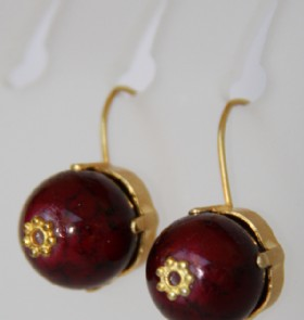 One bead earring-burgundy