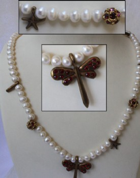 Firefly pearl necklace