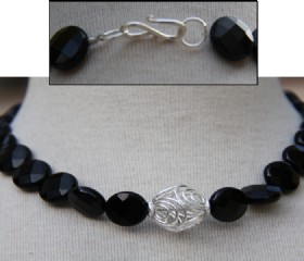 Coin onyx short necklace