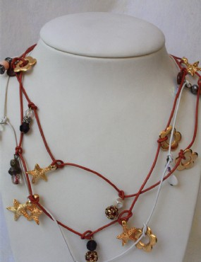 Leather and ornaments necklace