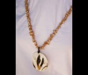 Mother of pearl in shell chain