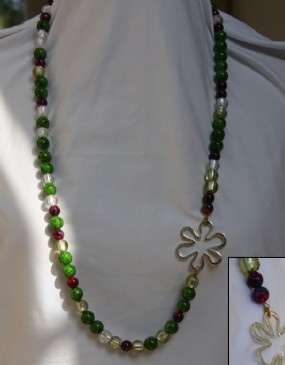 Green-burgundy beads-silver flowers necklace