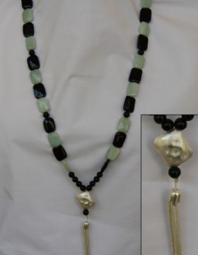 Green and black onyx necklace