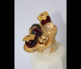 Hats on red beads ring