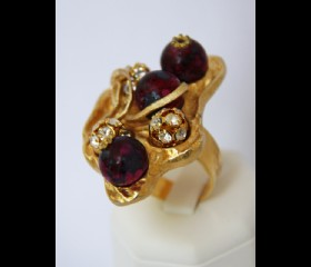 3-red bead large ring