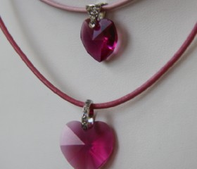 Fuchsia hearts -leather-small